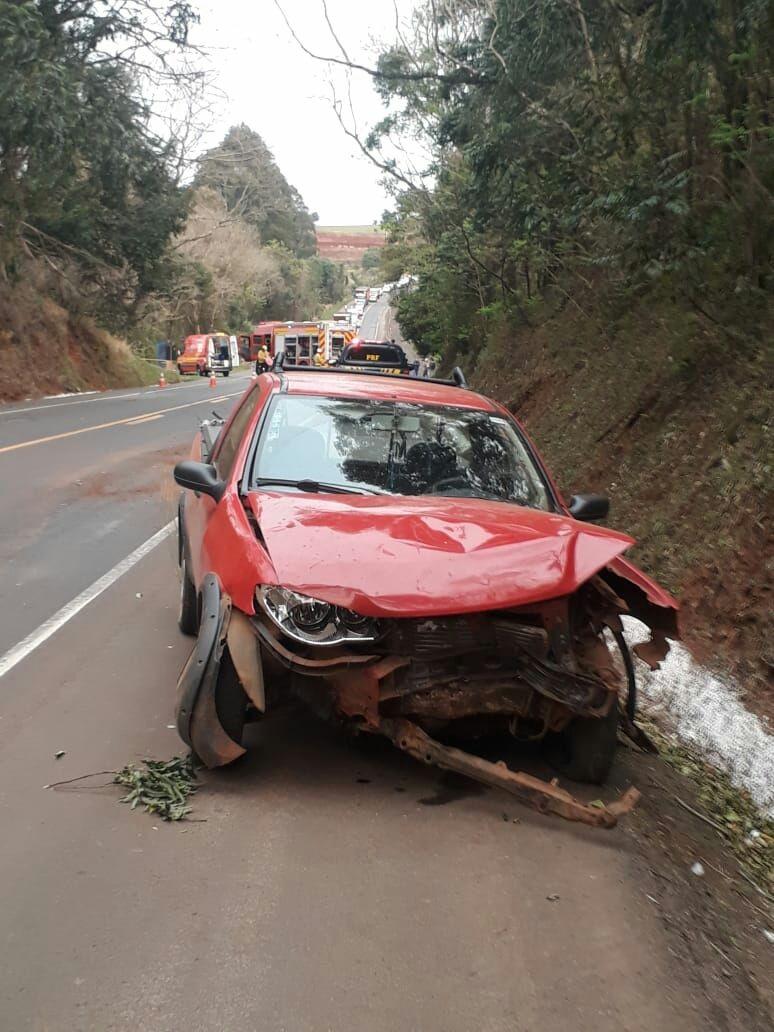 Veículo de Dionísio Cerqueira se envolve em acidente com morte em Chapecó
