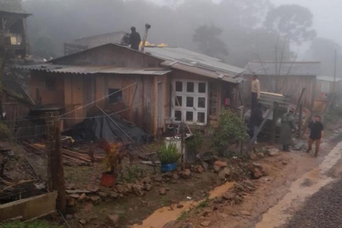 Pelo menos 20 cidades registram danos devido à queda de granizo no RS