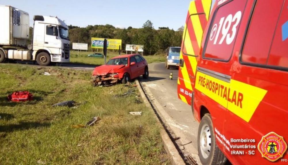 Veículo de Santa Helena se envolve em acidente em Irani