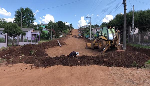 CASAN executa melhorias na rede de água em Paraíso