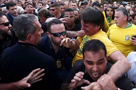 Entenda por que não havia sangue após a facada em Bolsonaro