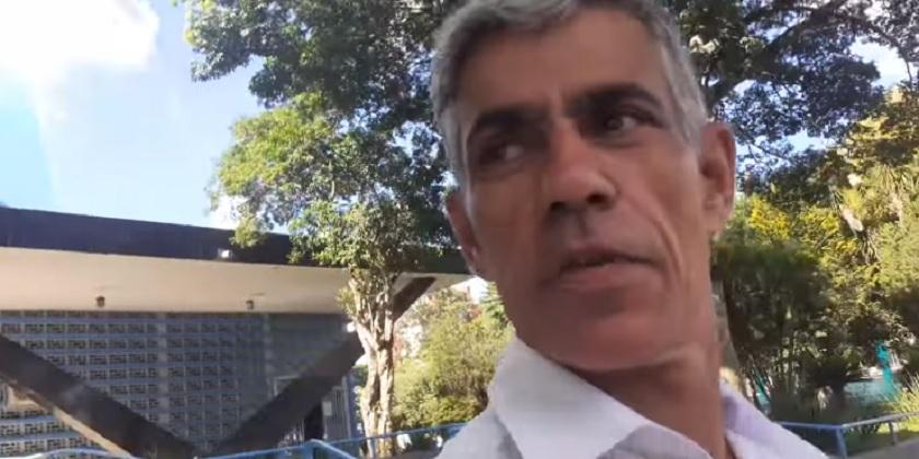 """VÍDEO: Suposto pastor difama """"Natal"""" e insulta religião Católica em São Miguel do Oeste"""