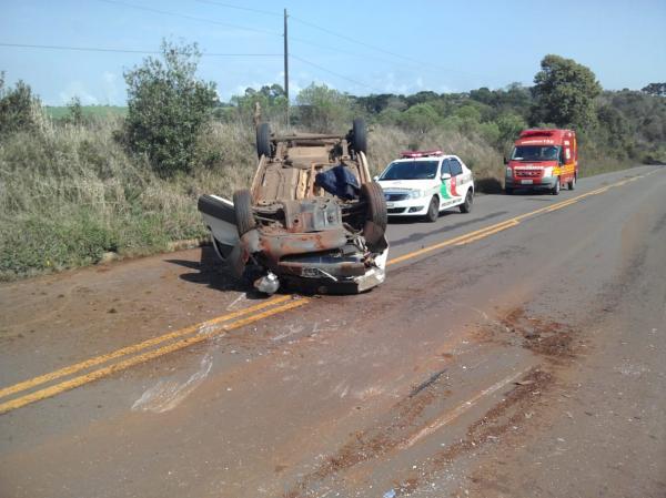 Motorista ferido em capotamento na SC-471 em Palma Sola