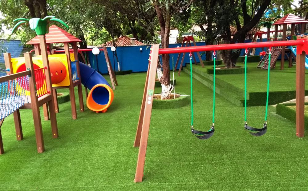 Morre criança que sofreu acidente em parque infantil no Oeste