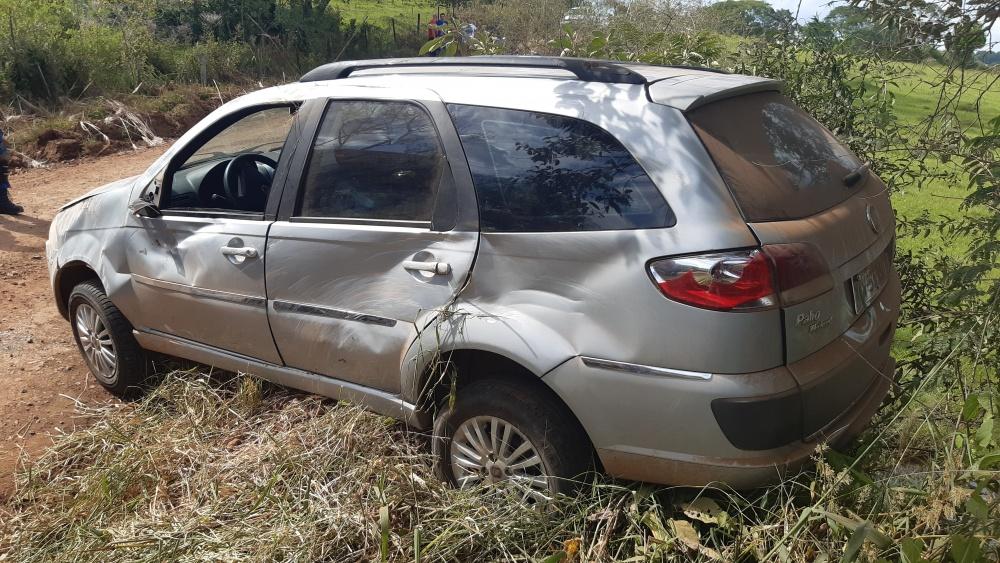 Motorista ferido em capotamento no interior de Paraíso