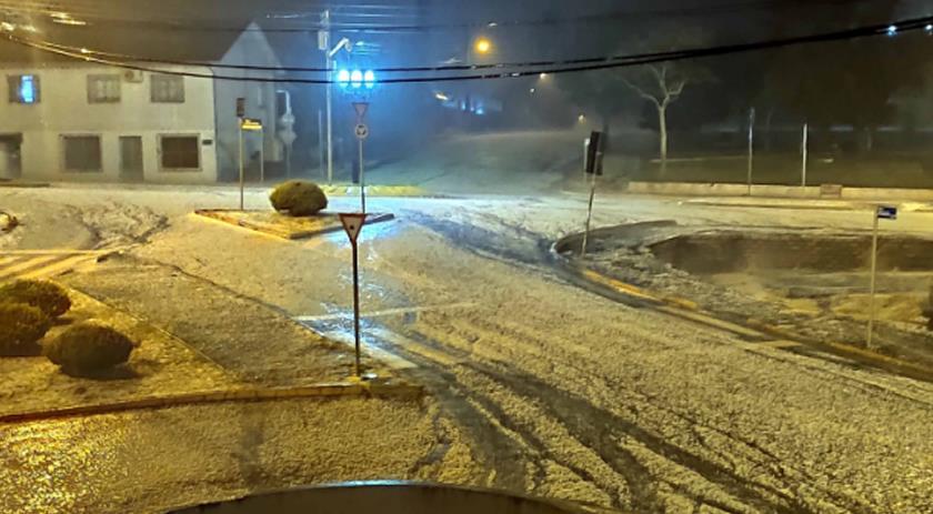 Ruas de Campo Erê foram tomadas pelo gelo no sábado (7)