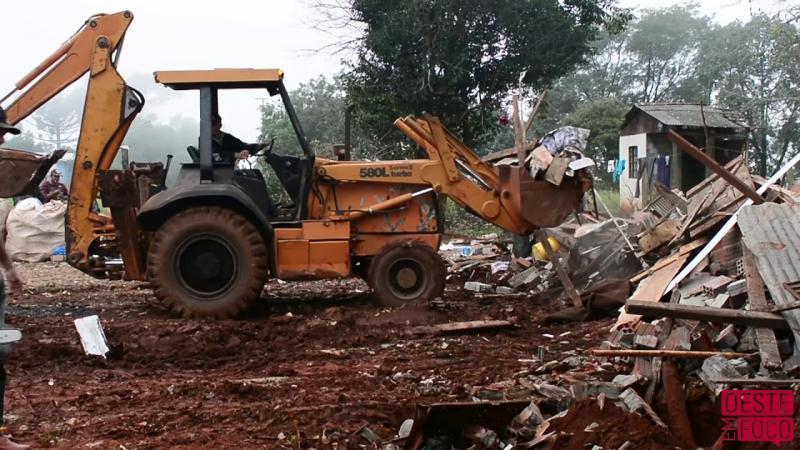 Ordem Judicial determina retirada de morador e demolição de casas em propriedade particular
